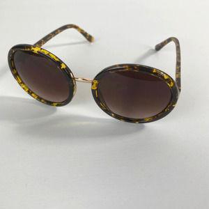 Circle Round Tortoise Print Women's Sunglasses